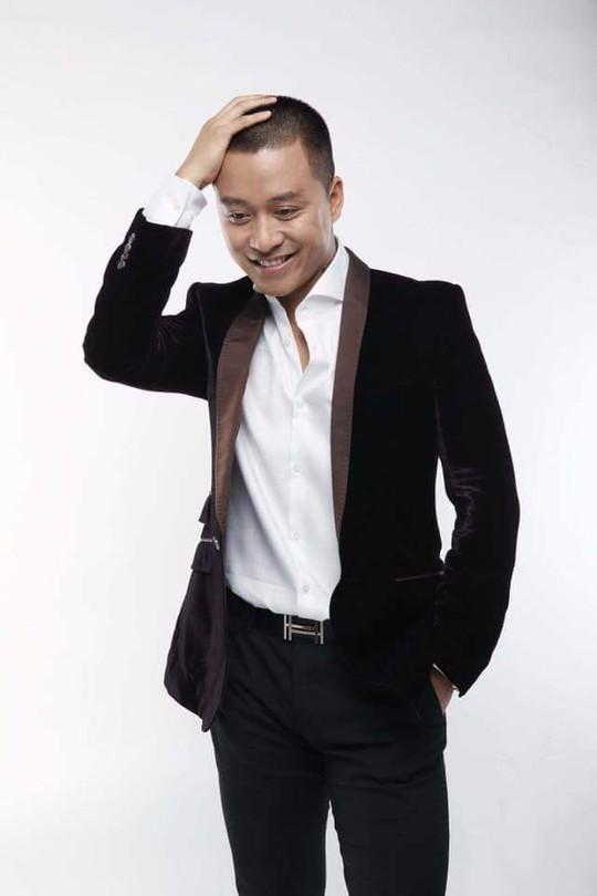 Tuấn Hưng hưởng ứng lời kêu gọi của Minh Thắng, quay lại Fanpage vận động người hâm mộ góp sức
