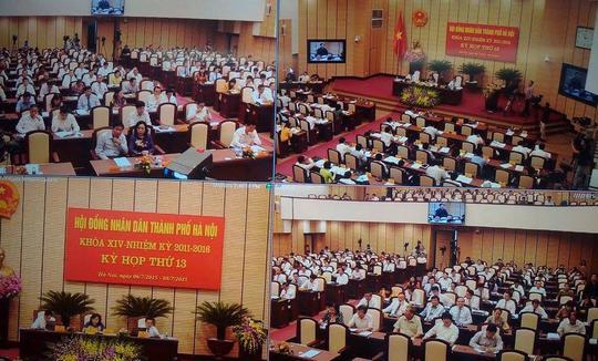 Quang cảnh buổi họp Hội đồng nhân dân TP Hà Nội ngày 7-7