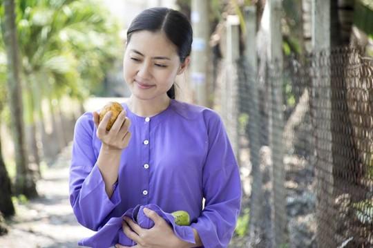 Nữ diễn viên Ngọc Lan lo lắng vì chưa về được Việt Nam