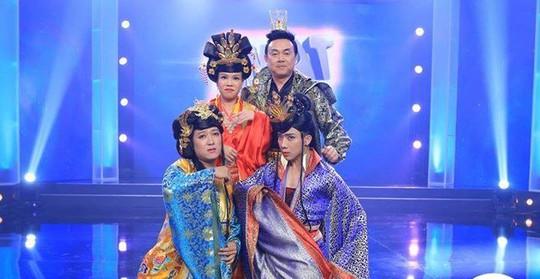 Trấn Thành, Trường Giang, Việt Hương, Chí Tài trong chương trình Bí mật đêm chủ nhật