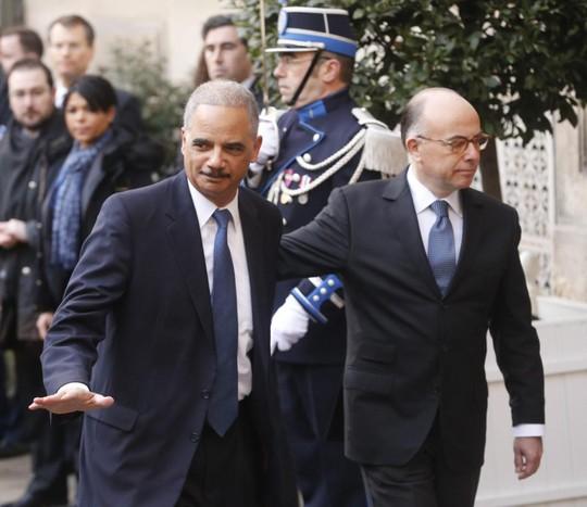 ...trong khi Bộ trưởng Tư pháp Eric Holder cũng không dự tuần hành dù đang ở Paris. Ảnh: EPA