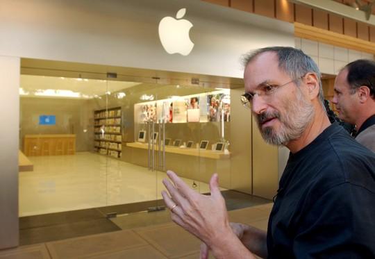 """Về việc trở lại làm CEO Apple năm 1997: """"6 tháng đầu tiên đặc biệt lạnh lẽo. Tôi như đang bước đi trong sự hão huyền""""."""