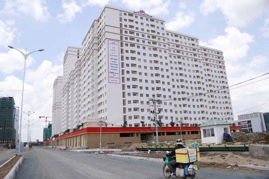 Nhiều dự án căn hộ đã và đang được triển khai xây dựng trên địa bàn quận 2, TP HCM  Ảnh: HOÀNG TRIỀU