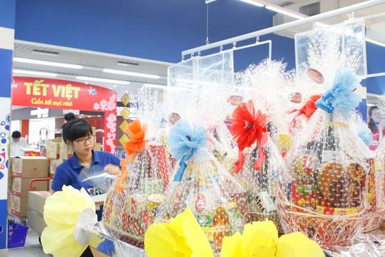Co.opmart là siêu thị đầu tiên triển khai dịch vụ đặt và giao quà Tết tận nhà cho khách có nhu cầu