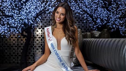 Monika Radulovic thời điểm thi Hoa hậu Hoàn vũ Úc Ảnh: Julie Kiriacoudis trên Herald Sun