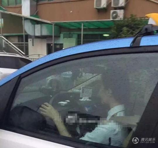 Băng Băng trong thử thách làm người lái taxi