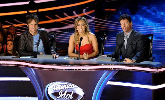 Bộ ba giám khảo: Keith Urban, left, Jennifer Lopez and Harry Connick Jr. của American Idol