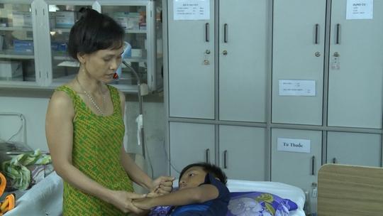 Bé Q. đang điều trị tại Bệnh viện Nhi Đồng 1