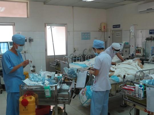 Một ca trực Tết tại Khoa Hồi sức tích cực - chống độc Bệnh viện Nhân dân Gia Định