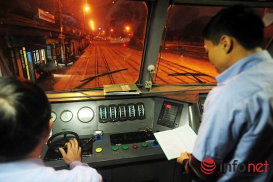 Giá vé toàn tuyến Hà Nội - TP HCM cao nhất là 1,7 triệu đồng (buồng 4 giường), thấp nhất là 1,2 triệu (ghế mềm điều hòa).