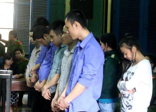 Các bị cáo tại phiên xử ngày 14 - 4