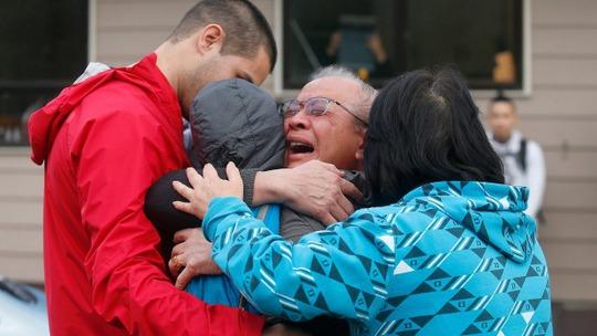 Gia đình Susan OBrien vui mừng khi cô trở về nhà. Ảnh: Fairfax NZ
