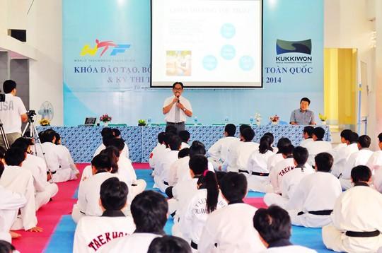 Các HLV judo dự học về y học thể thao Ảnh: NGỌC LINH