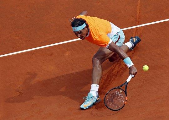 Nadal vất vả trong trận bán kết tối 18-4 khi Djokovic chơi quá hay  Ảnh: REUTERS