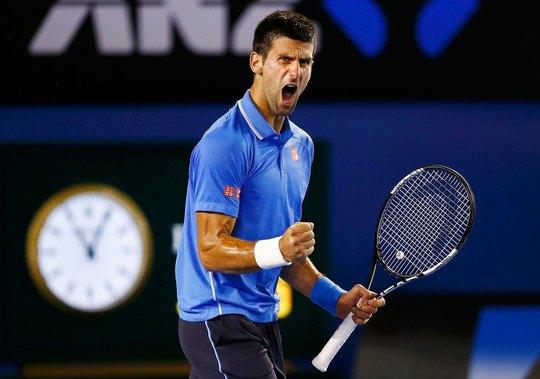 Chơi không xuất sắc nhưng Djokovic vẫn vượt qua Wawrinka nhờ khả năng trả giao bóng tốt và lì lợm Ảnh: REUTERS