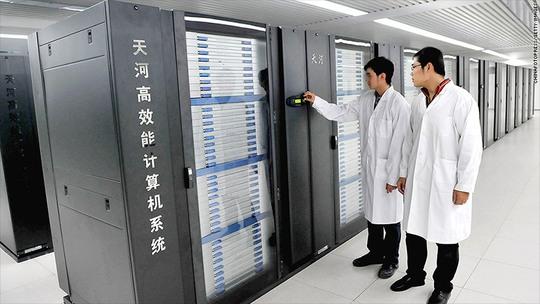 Thiên Hà-1A gần như hoàn toàn chạy dựa vào bộ vi xử lý Xeon được thực hiện bởi Intel. Ảnh: CNN