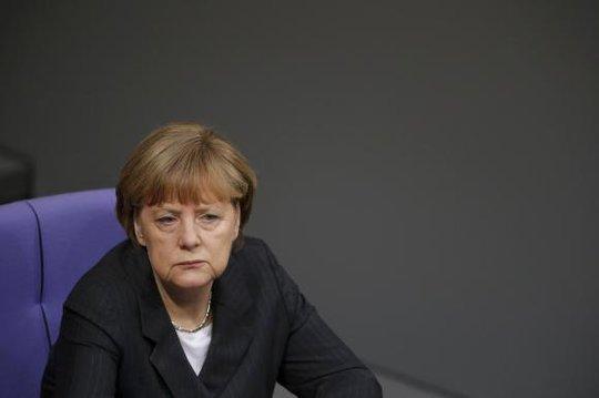 Thủ tướng Đức Angela Merkel tại hạ viện Đức hôm 15-1. Ảnh: Reuters