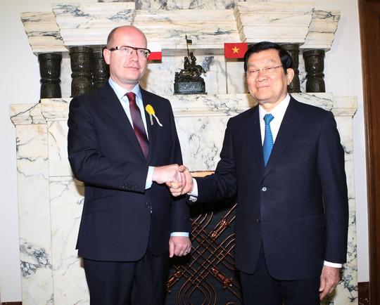 Chủ tịch nước Trương Tấn Sang hội kiến Thủ tướng Czech Bohuslav Sobotka Ảnh: TTXVN
