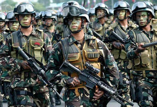 Quân đội Philippines kiểm tra thông tin về âm mưu đảo chính Ảnh: PHIL STAR