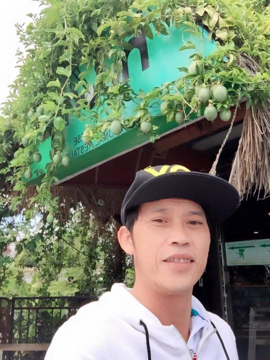 Hoài Linh khoe hình chụp tại nhà hàng của Việt Hương và Hoài Tâm