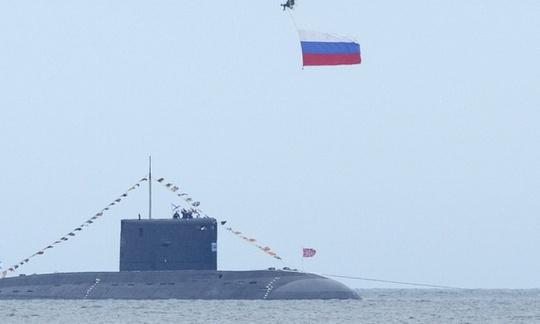 Các nước gần Nga ngày càng lo ngại về nguy cơ tàu ngầm Nga xâm nhập vùng biển. Ảnh: REUTERS