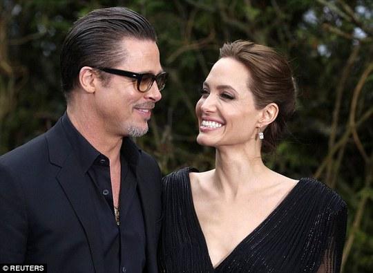 Angelina hiện tại cùng Brad Pitt