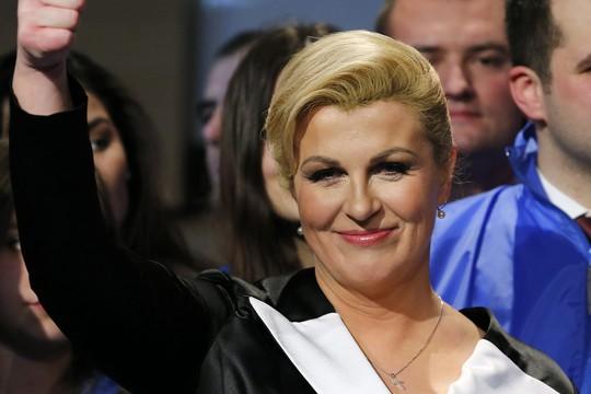 Bà Kolinda Grabar-Kitarovic ăn mừng khi trở thành tân Tổng thống Croatia. Ảnh: Reuters