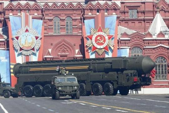 Ngân sách dành cho quân sự của Nga có thể giảm khoảng 10 % trong năm 2015. Ảnh: Reuters