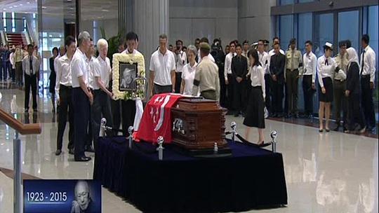 Linh cữu sẽ được quàn tại Tòa nhà Quốc hội tới ngày 28-3 để chuẩn bị tổ chức tang lễ vào ngày hôm sau, 29-3. Ảnh: CNA
