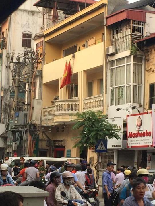 Bốt điện ngay trước trụ sở công an phường, nơi xảy ra sự cố