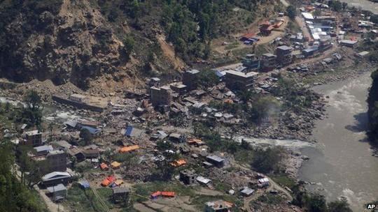 Làng Chalikot, nơi chiếc trực thăng chuẩn bị phát hàng cứu trợ thì gặp nạn. Ảnh: PA