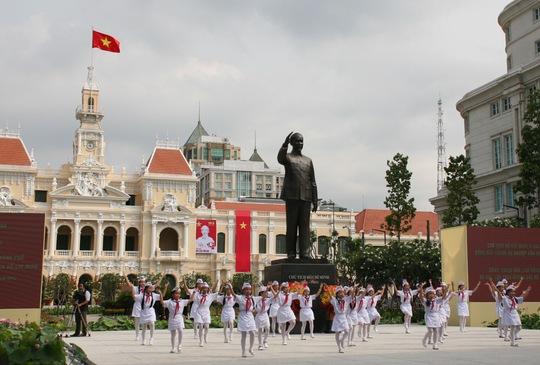 TP HCM: Khánh thành Tượng đài Bác Hồ