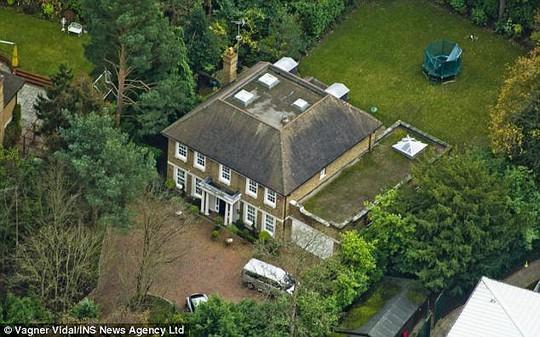 Biệt thự của ông Perepilichnyy ở thị trấn Weybridge, TP Surrey – Anh. Ảnh: INS