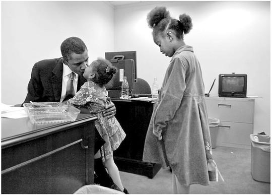 Một số hình ảnh tổng thống Mỹ cùng 2 cô con gái khi còn nhỏ