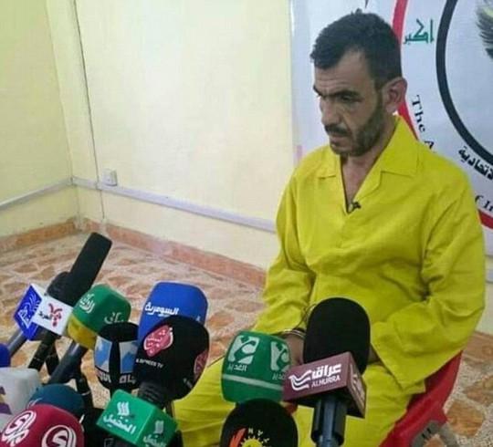 Báo đài Iraq phỏng vấn Ridha. Ảnh: Daily Mail