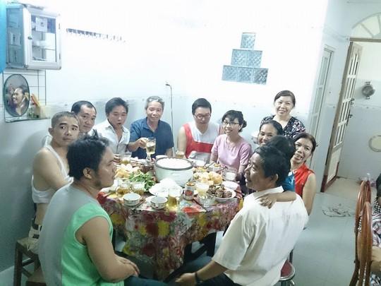 Bữa cơm đầm ấm của gia đình tôi