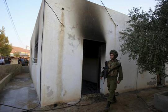 Người Israel đốt nhà, bé Palestine 18 tháng tuổi chết cháy