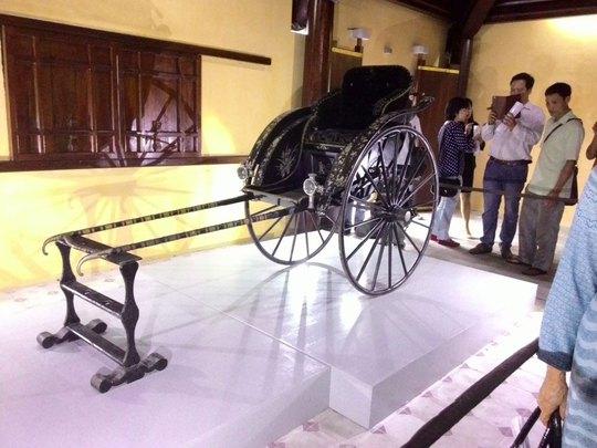 Chiếc xe của Thái hậu Từ Minh trưng bày tại cung Diên Thọ