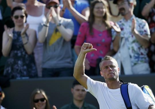 Hewitt có cuộc chia tay Wimbledon không trọn vẹn dù rất nỗ lực