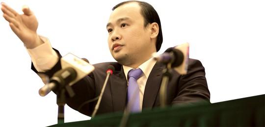 Người phát ngôn Bộ Ngoại giao Lê Hải Bình chủ trì một buổi họp báo Ảnh: NGUYỄN QUYẾT