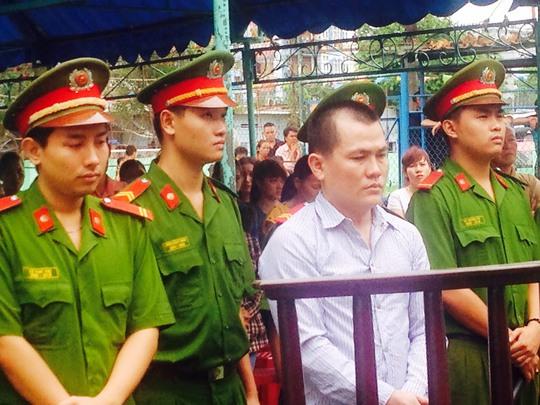 Bị cáo Trương Viết Ký tại phiên xự lưu động sáng 23-6