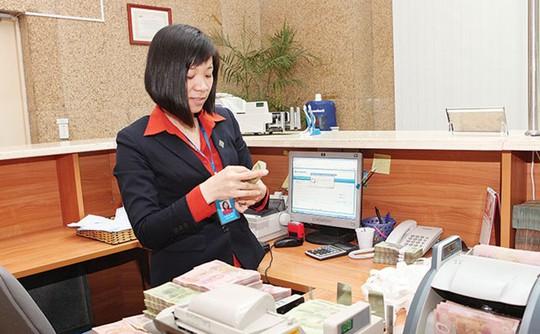 Nhiều ngân hàng chỉ cố gắng hoàn tất chính sách lương tháng 13 cho cán bộ nhân viên