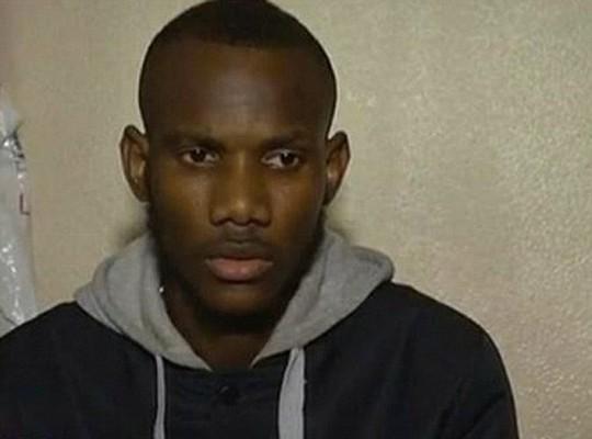 Lassana Bathily, 24 tuổi, được ngợi ca như anh hùng