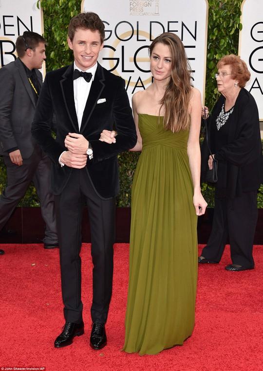 Eddie Redmayne và bạn gái