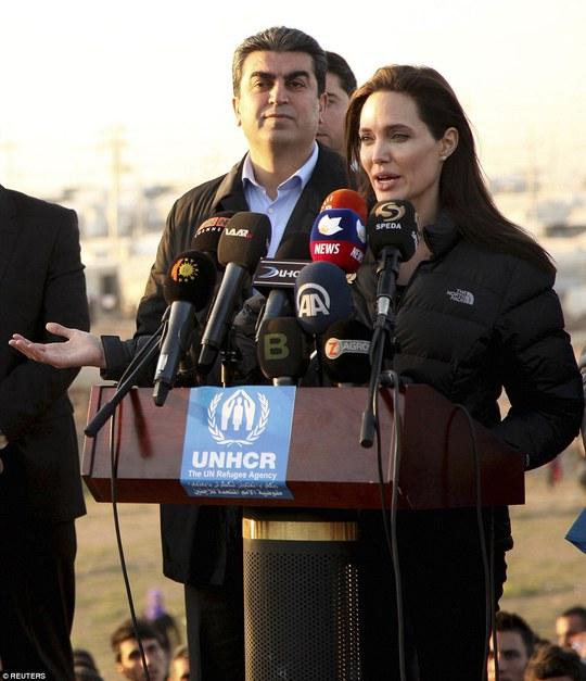 Cô kêu gọi sớm chấm dứt xung đột ở Syria, Iraq