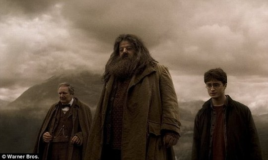 Robbie Coltrane trong vai Hagrid phim Harry Potter