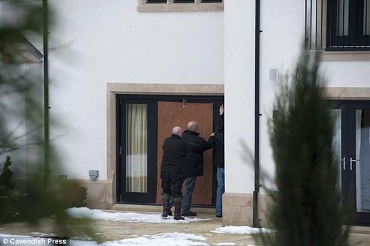 Cánh cửa nhà Di Maria đã đươc sửa lại nhưng nỗi bất an vẫn còn đó