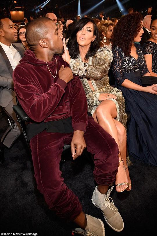Những khoảnh khắc hài hước của sao tại Grammy 2015