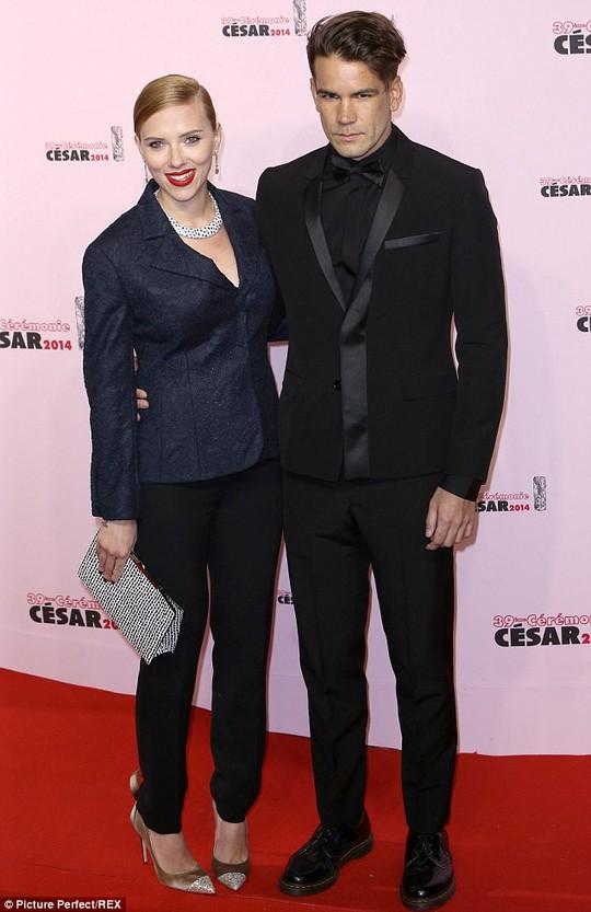 Scarlett và chồng Romain