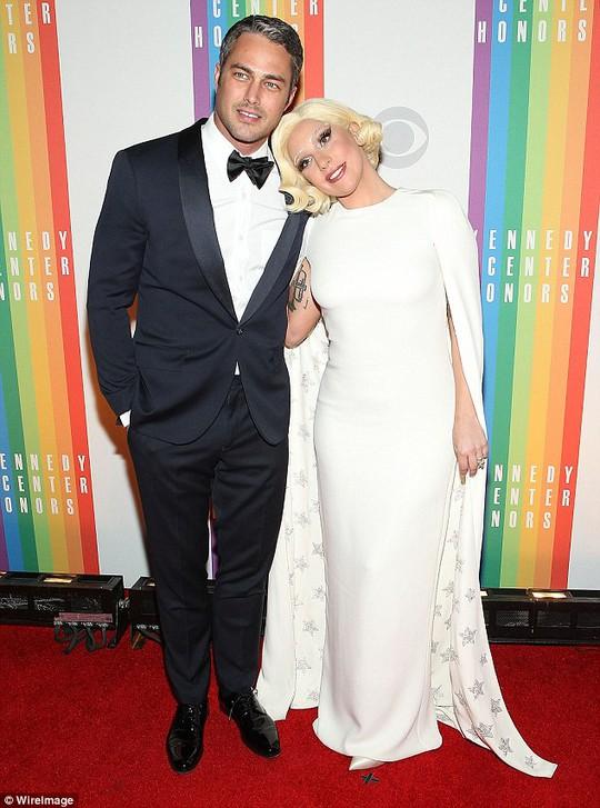 Lady Gaga và Taylor